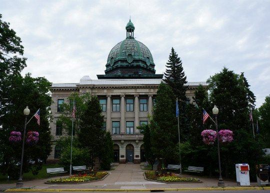 Photo of Oneida County Courthouse in Wisconsin
